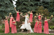 Bridesmaids_in_Garden
